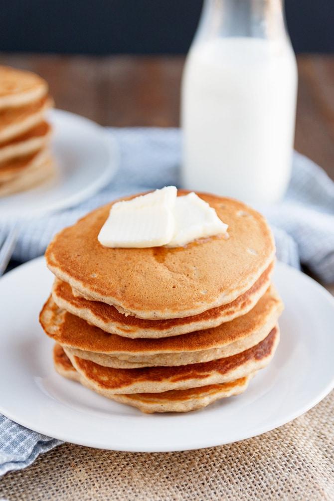 Brown Sugar Banana Bread Pancakes