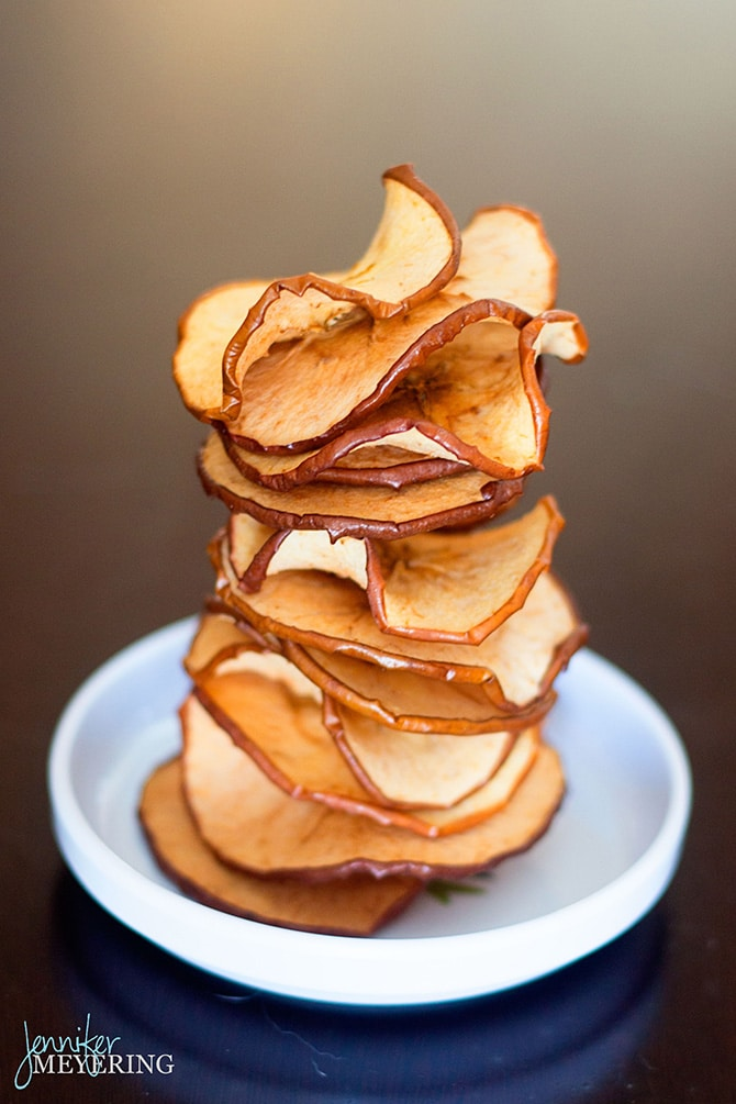 Cinnamon Sugar Baked Apple Chips