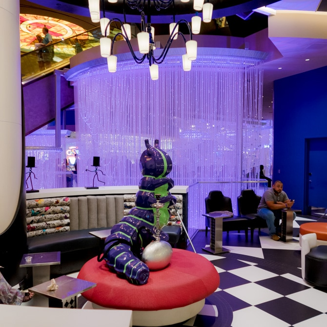 Travel Guide: Las Vegas - Chandelier Bar