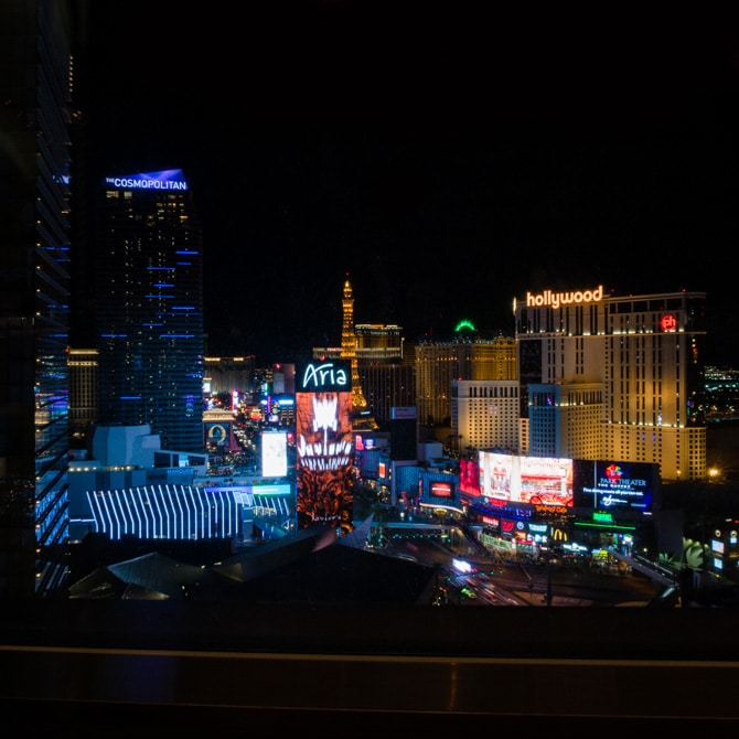 Travel Guide: Las Vegas - Skybar